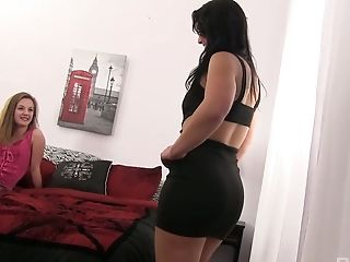 Marissa Mae can't stop eating tasty pussy which belongs to her new GF