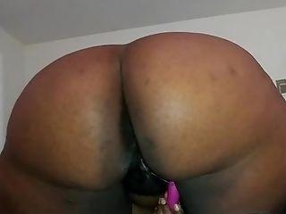 Big ass with a sticky icky pussy!