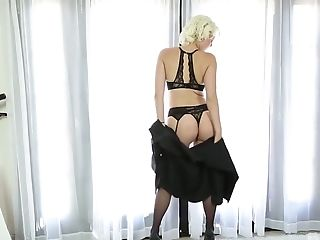 Blondie in sexy lingerie and black stockings Jenna Ivory goes wild on a hard dick