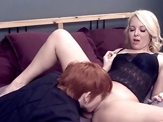 Rough lesbian fisting experience for naked blonde, Aaliyah Love