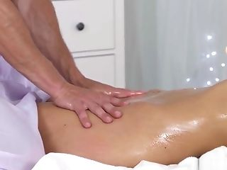 The sensual massage every real woman deserves