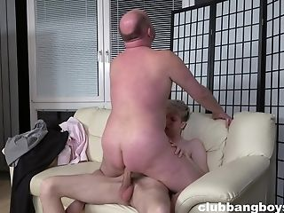 Twink pleases stepdaddy with insane gay anal