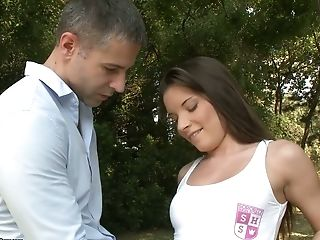 Hungarian sport chick Anita Bellini gets her anus pounded in the park