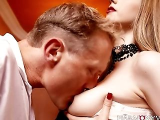 After a night of clubbing this stud finds himself in the company of hot sluts
