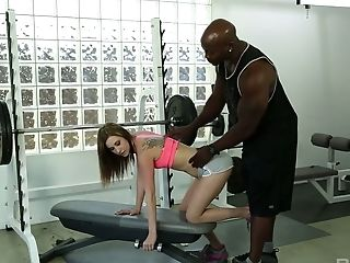 Slim sport chick Tysen Rich hooks up with her black faintness instructor
